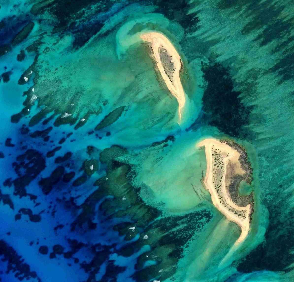 三沙市七连屿北沙洲、中沙洲卫星图